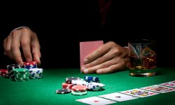 Advantages Of Playing Poker Online Game